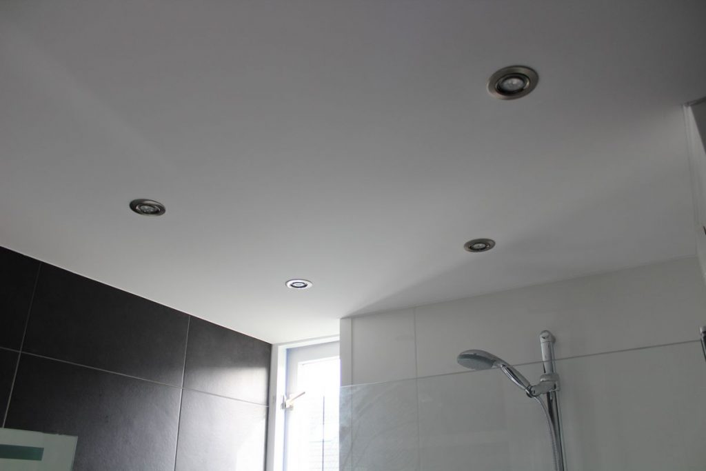 Spanplafond badkamer | De Eendracht Spanplafonds